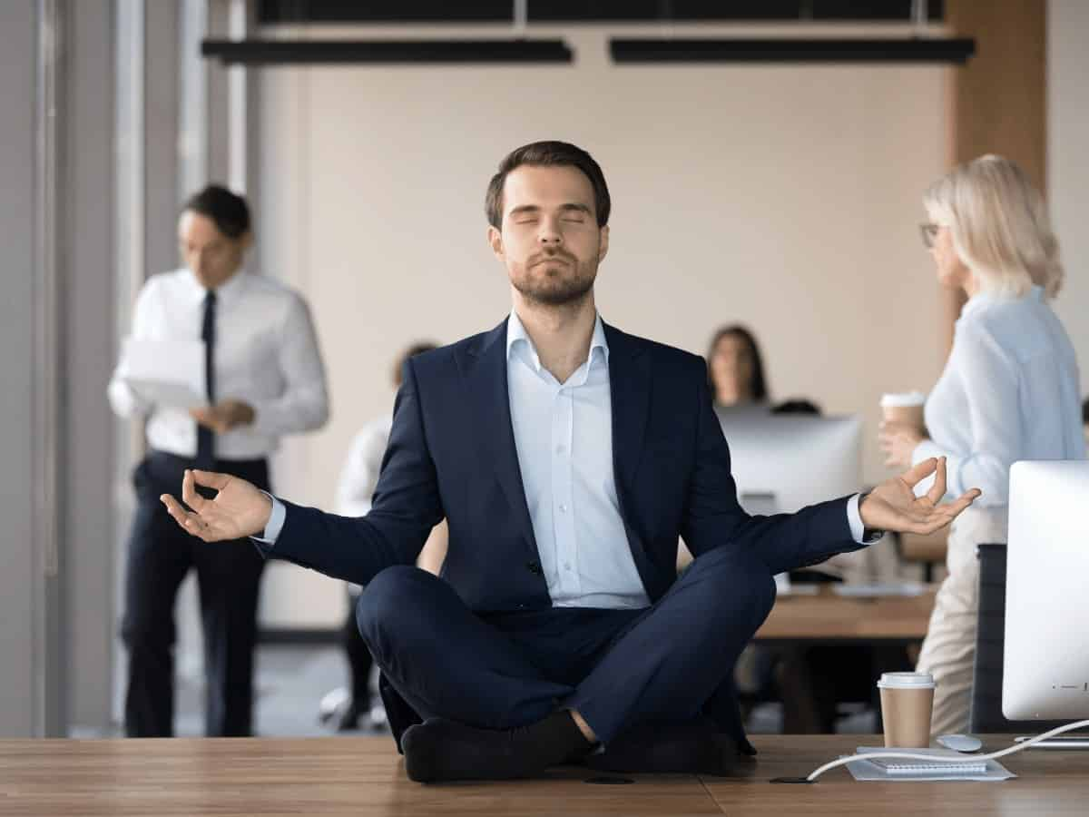 Menedżer zarządza swoim stresem