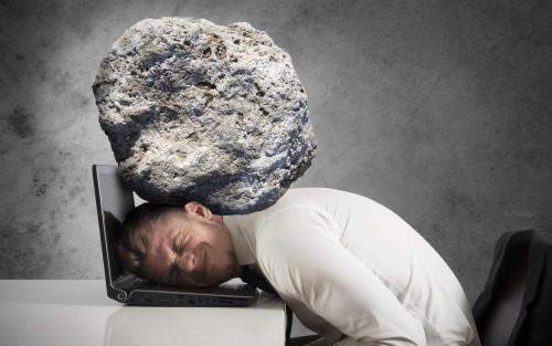 Człowiek obciążony nadmiernym stresem